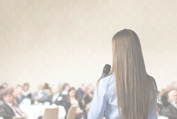Public Speaking Tips | a Cue Consulting